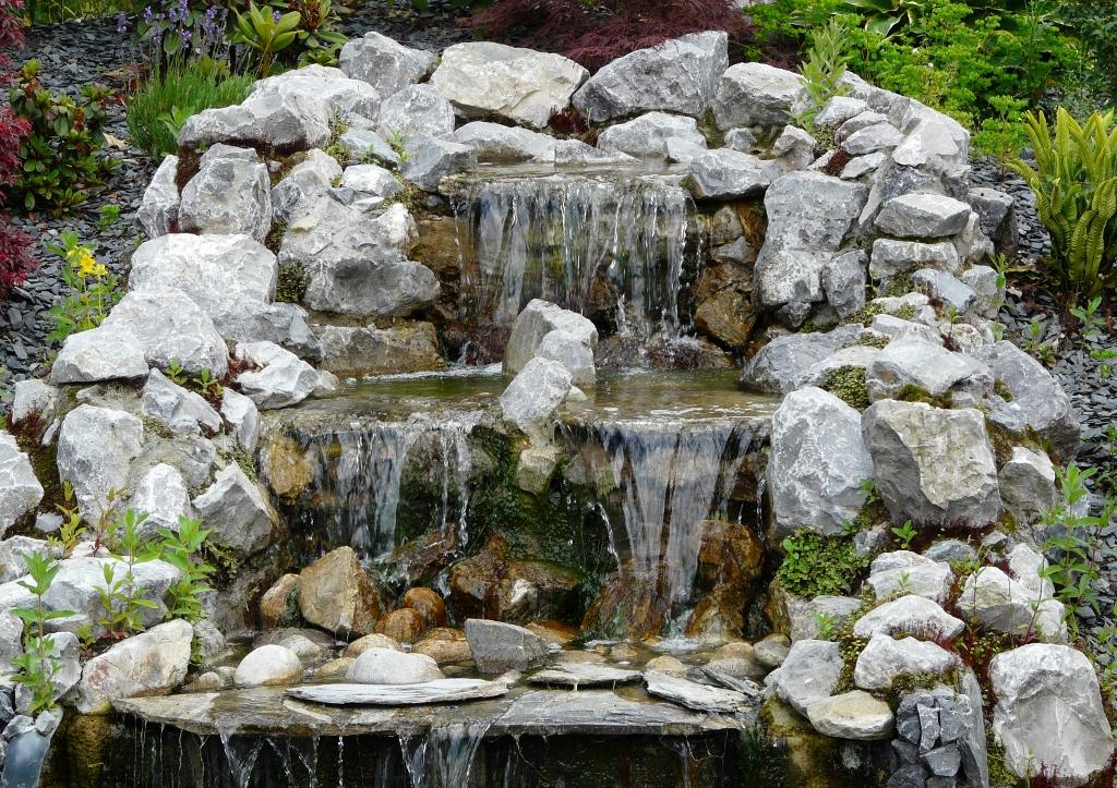 deco-jardin-cascade-3